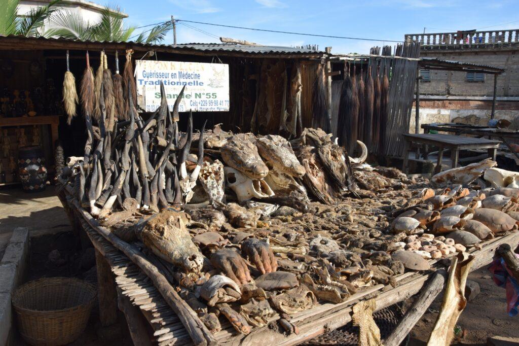 Trh s vodún atributy Togo