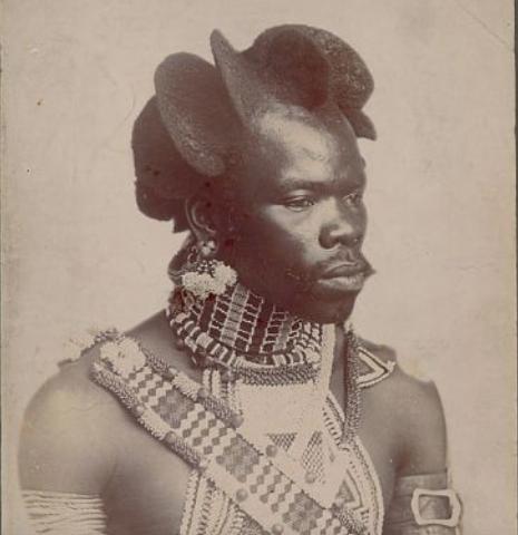 Africký účes bojovníka kmene Zulu